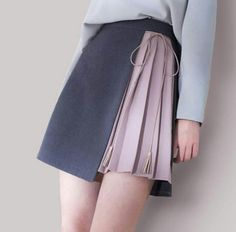 42 Perfect Tie Bud Skirt Outfit Ideas In Black - TILEPENDANT While the nip is still in the air and the party season is far from being over, full skirts and … Fashion Details, Look Fashion, Korean Fashion, Womens Fashion, Fashion Design, Fashion Ideas, Teen Girl Fashion, Diy Fashion, Winter Fashion