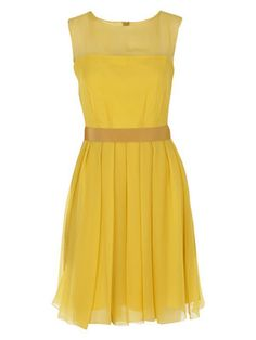 I do not like the color, yellow but the style of this dress is very cute.
