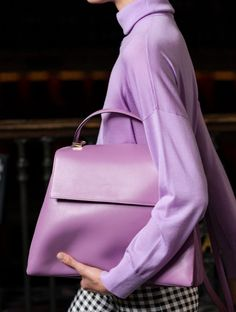 100 of the best bags from the catwalks - 2020 Fashions Woman's and Man's Trends 2020 Jewelry trends Popular Handbags, Cheap Handbags, Handbags Michael Kors, Purses And Handbags, Handbags Online, Celine Handbags, Coach Handbags, Wholesale Handbags, Coach Purses