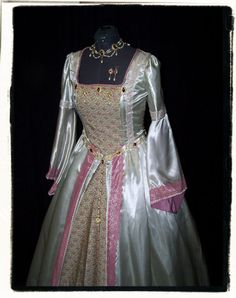 """Bust 40"""" Dreaming of Spring Tudor Renaissance Game of Thrones Gown Dress Medieval Gown"""