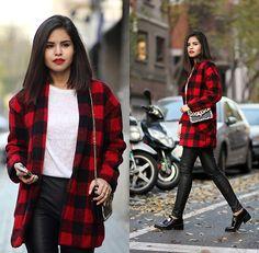 Adriana Gastélum - Sheinside Plaid Coat, Express Faux Leather Leggings, Reiss Leopard Bag - Welcome Winter
