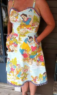 Snow White and the Seven Dwarves apron - Kitschy Living