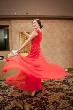 前舞蹈演員、《品位》雜誌英文部編輯Brett Price在現場翩翩起舞。舞蹈表現了英國人在下午茶時刻的愉悅和興奮。