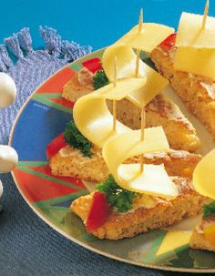Nopeat kauraleipäset juustopurjeilla | Leivät ja sämpylät | Pirkka
