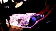 VILLE DE PAPIER Une invitation poétique à la redécouverte de la ville de Metz.  Performance de 25 minutes proposée par la Cie La Bande Passante.  Comment relater le patrimoine urbain d'une ville à partir de vieilles cartes postales? C'est le pari original