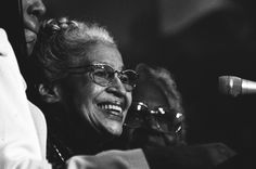 Rosa Parks at the ceremony to award her the Congressional Gold Medal, June From the William J. Clinton Presidential Library and Museum, National Archives African American History Month, Black History Month, Clinton Presidential Library, Rosa Parks Quotes, Courageous People, Civil Rights Activists, Old Shows, Civil Rights Movement, National Archives