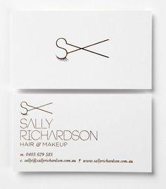 Fryzjer i makijażysta Sally Richardson ma doprawdy fantastyczną wizytówkę!
