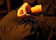 Προσευχές Διαβάστε μία πολύ ισχυρή προσευχή εναντίον της γλωσσοφαγιάς και προστατευτείτε από την αρνητική ενέργεια. Πολλοί μπερδεύουν την γλωσσοφαγιά με