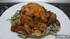 Gombás-fehérboros csirkecomb Spaghetti, Chicken, Meat, Ethnic Recipes, Food, Essen, Meals, Yemek, Noodle