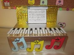 Musical instruments craft idea for kids Surprise man Guitar, piano, accordion, drum are waiting in a shop. So piano and accordion are sad because of this situation. Piano Crafts, Diy For Kids, Crafts For Kids, Instrument Craft, Homemade Musical Instruments, Indoor Crafts, Free Piano, Preschool Games, Activities