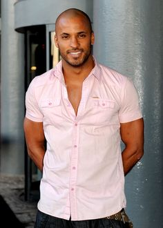 Pin for Later: Step This Way For 38 Seriously Hot Photos of Ricky Whittle Gorgeous Black Men, Just Beautiful Men, Handsome Black Men, Bald With Beard, Bald Men, Stylish Men, Men Casual, Ricky Whittle, Hottest Male Celebrities