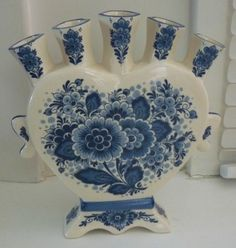Delft Heart Shaped FIVE FINGER TULIP VASE Blue & White.