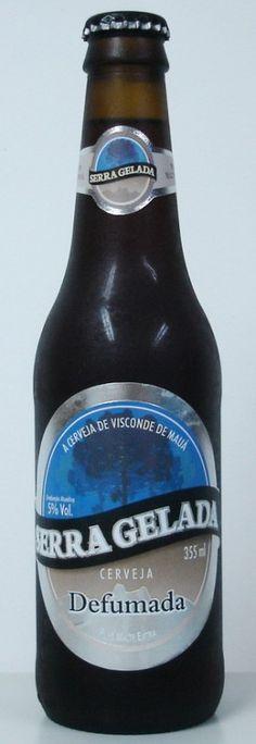 Cerveja Serra Gelada Defumada, estilo Rauchbier, produzida por Cervejaria Serra Gelada, Brasil. 5% ABV de álcool.