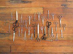 Coleção de tesouras de uma costureira