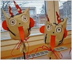 Christmas Crafts For Kids, Christmas And New Year, Halloween Crafts, Christmas Time, Christmas Ornaments, Kid Friendly Art, Diy And Crafts, Arts And Crafts, Craft Activities