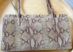 TOP Deal: Original ALFANI Leather Handtasche aus Pythonleder. So gut wie Neu! Python, Michael Kors Jet Set, Tote Bag, Top, Bags, Fashion, Handbags, Leather, Moda