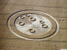 Crop-Circle-Wallpaper-_7.jpg.scaled.1000 by Massimiliano Mitch, via Flickr