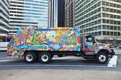 awesome grafitti art garbage truck