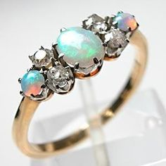 omg i looking for a beutifull opal ring for so long! This would be awsome for popping up the question for me ;) :))))