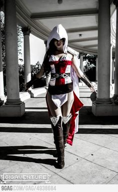 Female Assasins Creed Cosplay