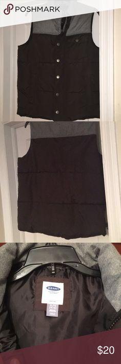 Old Navy Black & grey vest size XL(14-16) Old Navy Kids vest  Boys size XL 14-16 Grey top black bottom Old Navy Jackets & Coats Vests