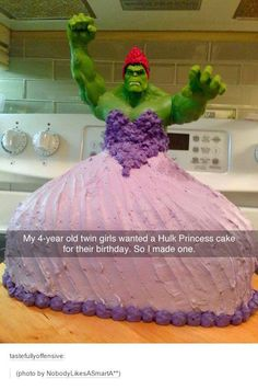 Round of applause! #cakes / http://saltlakecomiccon.com/slcc-2015-tickets/?cc=Pinterest