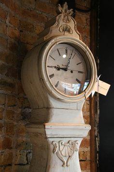 1760 Antique Gustavian Swedish Mora Clock in Traditional Milk Paint Finish.