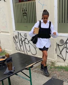 "Naomi Anwer 🍋 auf Instagram: ""ramen to-go 🍜"" Freja Wewer, Berlin Fashion, Casual Outfits, Fashion Outfits, French Girls, Smart Casual, French Fashion, To Go, Sporty"