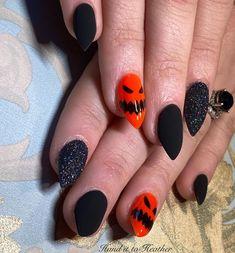 Holloween Nails, Halloween Acrylic Nails, Cute Halloween Nails, Halloween Nail Designs, Halloween 2020, Glam Nails, Diy Nails, Cute Nails, Pretty Nails