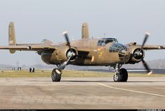 North American B-25N Mitchell PH-XXV / 232511/N5-149 (cn 108-32782) 'PHXXV' backtrack Runway 28 for departure