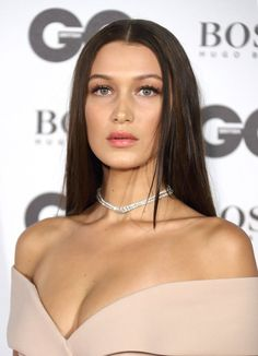 Forget GQ Model of the Year — Bella Hadid Won Best Dressed in Our Book She Paired the Piece With a Diamond Choker Diamond Choker, Sapphire Necklace, Diamond Bracelets, Gemstone Necklace, Pendant Necklace, Bella Hadid Photos, Boho, Photos Du, Types Of Fashion Styles