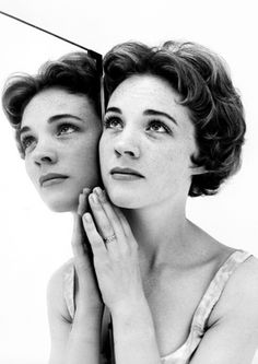Julie Andrews, 1959 by Cecil BEATON | Cecil Beaton