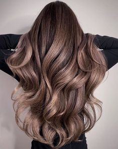 Long Wavy Ash-Brown Balayage - 20 Light Brown Hair Color Ideas for Your New Look - The Trending Hairstyle Brown Hair Balayage, Brown Blonde Hair, Hair Color Balayage, Hair Highlights, Guy Tang Balayage, Color Highlights, Brunette Hair, Blonde Balayage, Haircolor