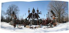 Forevertron - the world's largest scrap metal sculpture: Built in the 1980′s, Forevertron stands 50 ft. high, 120 ft. wide, and weighs 300 tons. It is at Dr. Evermore's Art Park on Highway 12, in the town of Sumpter, Wisconsin. Here's what the sculpture incorporates: 2 Thomas Edison dynamos from the 1880s, lightning rods, components from 1920′s power plants, scrap from Badger Army Ammunition Plant, and most impressively, the decontamination chamber from the Apollo 11 spacecraft