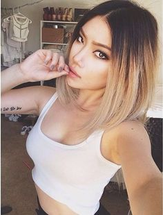 Image from http://cdn.exquisitegirl.com/wp-content/uploads/2015/01/classic-ombre-hair-bob1.jpg.