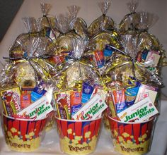 Movie Themed Popcorn Tubs.....These were for a local communications company to welcome new customers! Movie Night Basket, Movie Basket Gift, Movie Gift, Movie Party, Food Business Ideas, Business Gifts, Creative Gift Baskets, Creative Gifts, Popcorn Tub