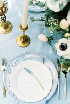 Something Blue table: http://www.stylemepretty.com/2015/06/05/elegant-something-blue-netherlands-wedding-inspiration/ | Photography: Anouschka Rokebrand - http://www.anouschkarokebrand.com/