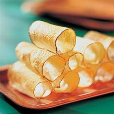Potato Cannoli Recipe Side Dishes with potatoes, melted butter Orange Recipes, My Recipes, Italian Recipes, Snack Recipes, Italian Desserts, Recipies, Cannoli Tubes, Cannoli Shells, Cannoli Recipe