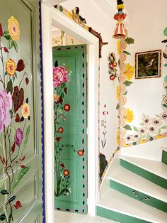 French Artist Nathalie Lete Is Painting Her Home Full of Flowers - - While sheltering in place, French artist Nathalie Lete is filling her country home with flowers—that she paints on every surface. Apartment Inspiration, Hand Painted Walls, Painted Doors, Window Frames, French Artists, Cheap Home Decor, Home Decoration, My Dream Home, Interior And Exterior