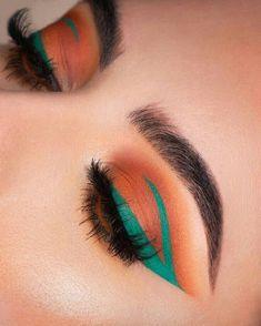 Eyeliner – eye makeup ideas What's Makeup ? What's Makeup ? In general, what's makeup ? Makeup Eye Looks, Cute Makeup, Pretty Makeup, Skin Makeup, Eyeshadow Makeup, Teal Eyeliner, Gorgeous Makeup, Glamorous Makeup, Brown Eyes Makeup
