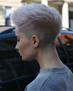 Shaved Pixie Cut Fohawk with Super-Light Lavender Coloring Tomboy Hairstyles, Cool Short Hairstyles, Undercut Hairstyles, Hairstyles Haircuts, Hairstyle Short, Pixie Haircuts, Undercut Short Hair, Haircut Short, Shaved Hairstyles