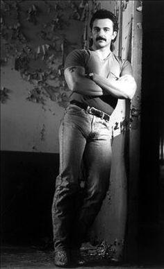 Aaron Tippin Shirtless