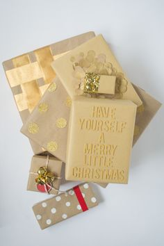 Brown Paper Packages Tied Up With String ⋆ Design Mom Merry Little Christmas, All Things Christmas, Xmas, Packing, Brown Paper Packages, Winter Holidays, Holiday Crafts, Packaging Design, Craft Projects