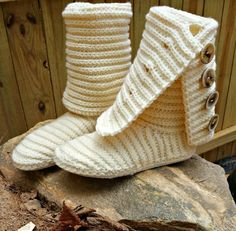 Our Crochet Boots are the first of its kind, stylish and trendy. Boots can be worn outside as this pattern teaches you how to crochet the boot & outer sole as well as comfy inner sole. Boots are crocheted in 2 pieces & joined together. Crochet Boots Pattern, Shoe Pattern, Crochet Slippers, Crochet Patterns, Crochet Designs, Crochet Geek, Love Crochet, Knit Crochet, Ravelry Crochet