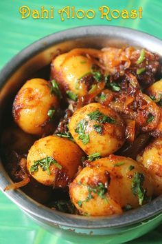 This is a simple potato dish which i made few days back, it is so easy to make but taste really yummy specially with rasam rice, curd ric. Aloo Recipes, Roast Recipes, Curry Recipes, Potato Recipes, Vegetable Recipes, Vegetarian Recipes, Cooking Recipes, Recipes Dinner, Drink Recipes