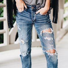 Do A Distressed Denim Diy Aexme Ripped Jeans Style Distressed Jeans Denim Inspiration