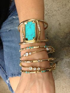 Melinda Maria Jewelry lovely mix of turquoise and gold. Photo Jewelry, Jewelry Box, Jewelry Accessories, Fashion Accessories, Jewelry Design, Fashion Jewelry, Jewelry Making, Jewlery, Eye Jewelry