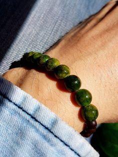 Cadeau pour lui bracelet jade vert bracelet perle homme bracelet perle femme bracelet homme jade bracelet perle bois homme bracelet boheme https://etsy.me/2GNtezH #bijoux #bracelet #boheme #braceletsfantaisie # #homme #jade