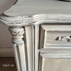 Lilyfield Life: Furniture Paint Effects - dry brushed and washes #ascp #frenchlinen #oldochre #french #antique #faux