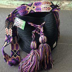 Morral Maya Otomiartesanal por Otomiartesanal en Etsy Yarn Projects, Crochet Projects, Crochet Woman, Knit Crochet, Tot Bag, Boho Bags, Tapestry Crochet, T Shirt Yarn, Embroidery Techniques